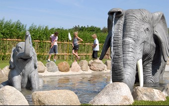 Adventure Golf Jungle from City Golf Europe
