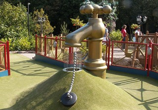 Tap obstacle Adventure Golf